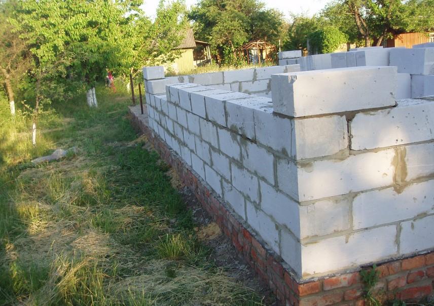 Этапы строительства дома из пеноблока