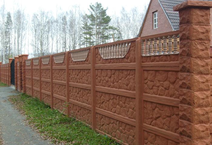 Забор из бетонных секций