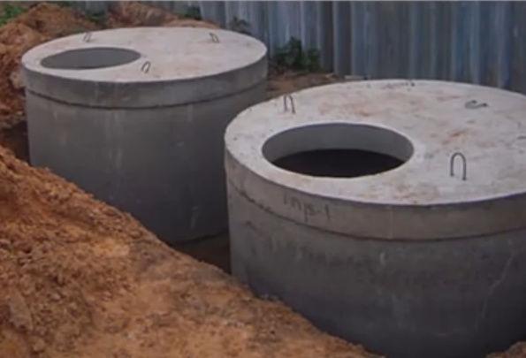 Установка бетонных колец для канализации