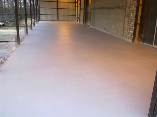 Покрашенный бетон
